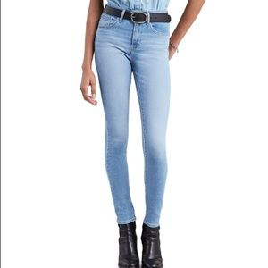 Levi's 721 high rise skinny light wash jeans
